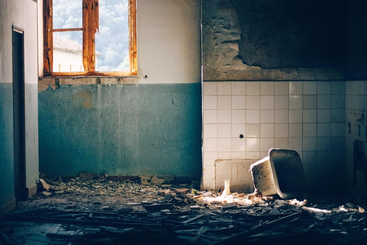 荒れた部屋