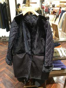 コート・ブラック